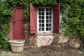 Volet et porte en bois? Doit-on faire un total look pour nos maisons?